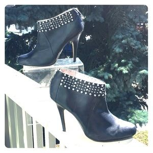 Ted Baker Studded Booties with back zipper sz UK7